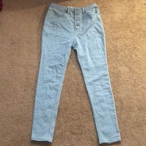 Denim - High waisted light blue jeans
